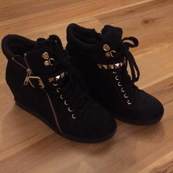 Xhilaration Shoes | Black Wedge Sneaker